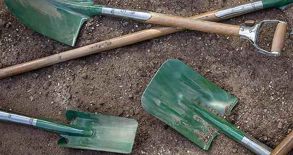 hand-gardening-tools